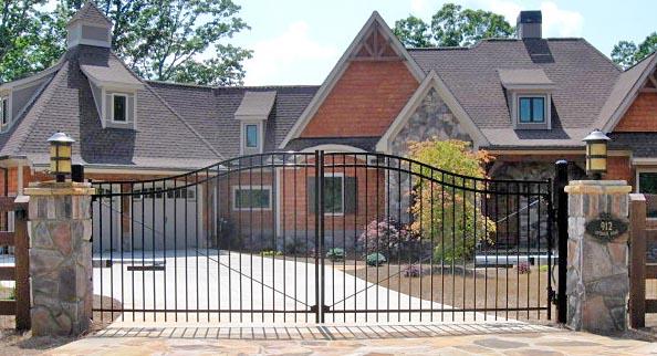 VERSAI driveway gate