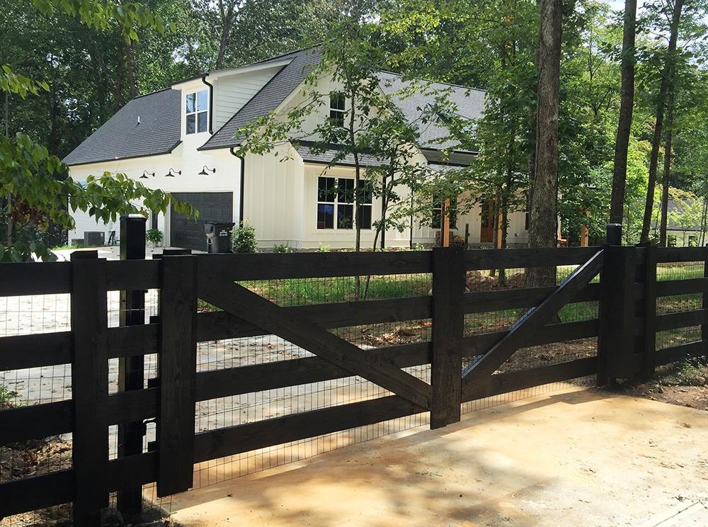 4-board_wood_driveway_gate